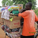 Kit Yamoyo retailer with bicycle